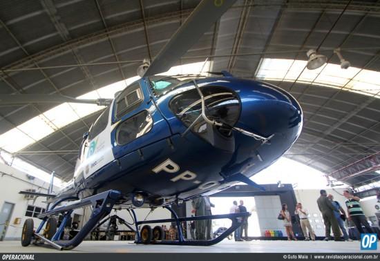 Entrega de equipamento para o Grupamento Aeromóvel