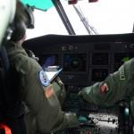 Pilotos dos EUA voam com Esquadrão Falcão