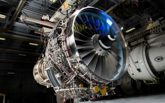 V2500-E5-de-testes-para-o-Embraer-KC-390-foto-IAE