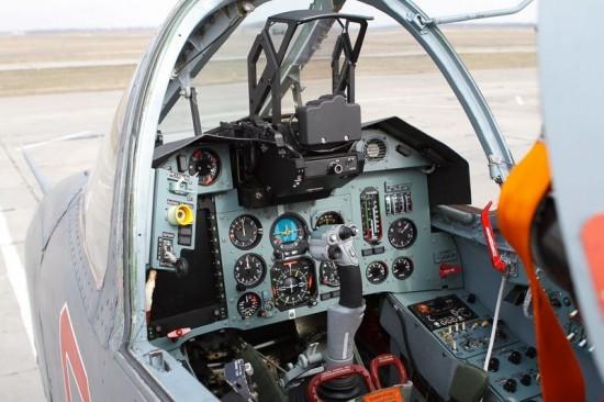 su 25 cockpit