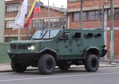 140707_colombia_blindado_vehiculo_hunter_armor-international_574x406