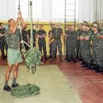 Alunos do Curso de Aperfeiçoamento de Oficiais de Intendência da EsAO visitam o BDoMPSA