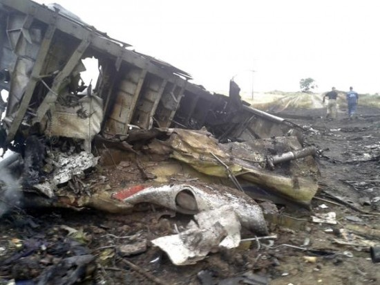 Malaysian-Airlines-MH-17-Crash-Pictures-1