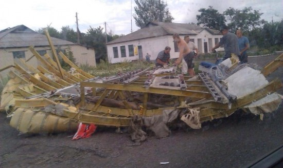 Malaysian-Airlines-MH-17-Crash-Pictures-8