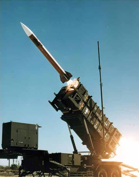 Patriot_missile_launch_b