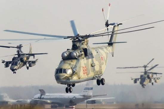 QC-Russian-choppers-ukraine-border