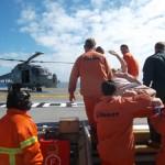 """Binômio Navio-Aeronave da Marinha do Brasil realiza Evacuação Aeromédica no Navio Mercante """"SOLITAIRE"""""""