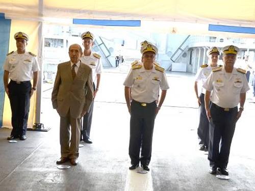 Autoridades militares presente à cerimônia