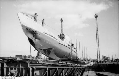 Bundesarchiv_Bild_101II-MW-1031-28,_Lorient,_U-31