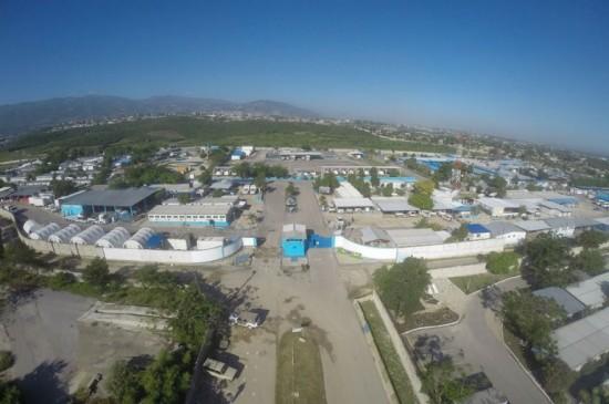 Campo Charlie, cuja área totaliza 513.500 m² no bairro de Tabarre, em Porto Príncipe