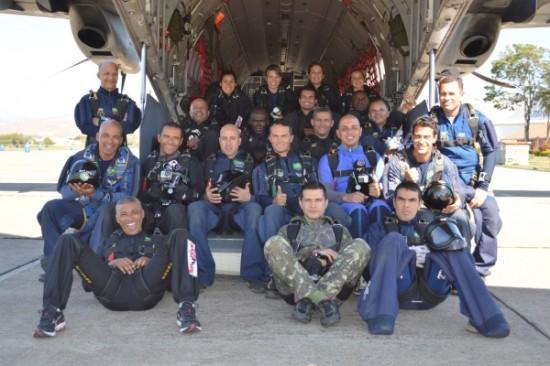 Equipe Falcões de salto livre FAB3