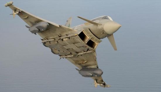 Eurofighter-Typhoon-com-míssil-Storm-Shadow-foto-Eurofighter