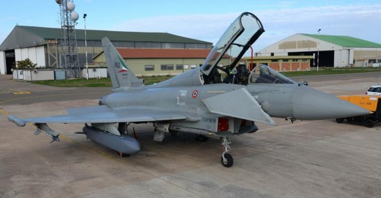 Eurofighter-Typhoon-com-míssil-Storm-Shadow-foto-2-Eurofighter