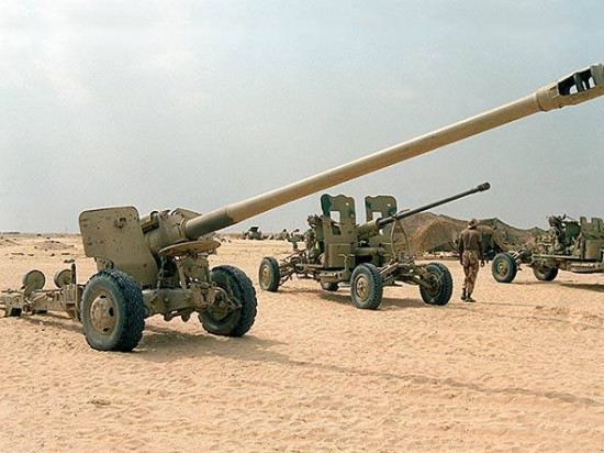 Há relatos de EIIL teria canhões do tipo 59-1, capturados do exército iraquiano. Trata-se da cópia chinesa de um canhão russo desenvolvido logo após a Segunda Guerra Mundial.