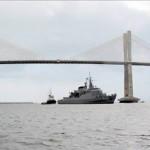 """Fragata """"Liberal"""" atraca no porto de Natal após missão no Líbano"""