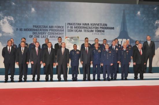 Entrega-últimos-F-16-paquistaneses-modernizados-na-Turquia-foto-2-TAI