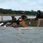 Instrução de flutuabilidade do 34º Batalhão de Infantaria Mecanizado com a VBTP GUARANI