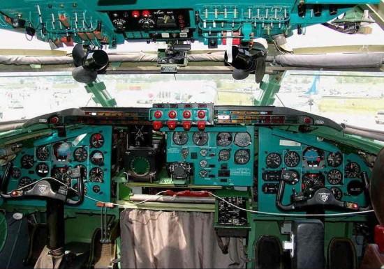 Tu-95MS_Cockpit
