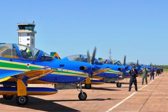 ribeiro_f Equipe se prepara para decolagem
