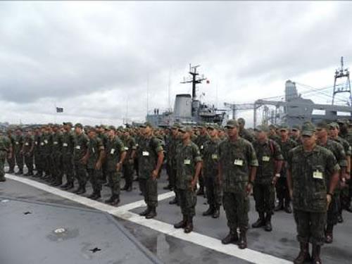 Alunos do CIASC a bordo do NDCC 'Garcia D'Avila'