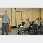 Comandante da Primeira-Divisão da Esquadra visita o Centro de Guerra Eletrônica da Marinha