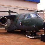 KC-390: produzida para a FAB, maior aeronave fabricada no país é apresentada ao público