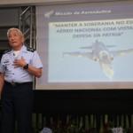 """Comandante da Aeronáutica faz palestra para as """"Velhas Águias´´"""