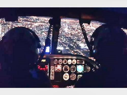 Visão interna da aeronave durante o adestramento