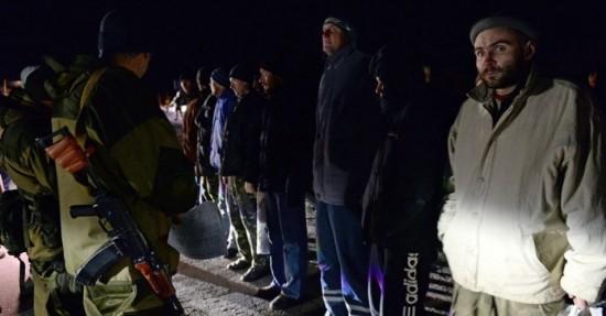 26dez2014---as-autoridades-da-ucrania-e-os-separatistas-pro-russia-efetuaram-nesta-sexta-feira-26-uma-troca-de-prisioneiros-de-guerra-apesar-de-horas-antes-terem-cancelado-a-terceira-rodada-de-1419623005344_956x500