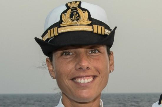 Catia Pellegrino, a primeira italiana a comandar um patrulheiro no Mediterrâneo