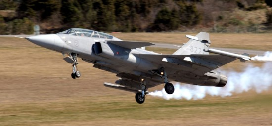 Gripen NG será desenvolvido por engenheiros brasileiros e suecos com construção e montagem de 15 unidades no Brasil