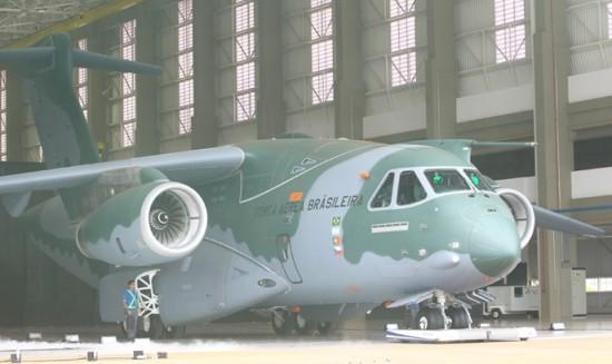 O KC-390 foi apresentado em solenidade com comitivas de 30 países Foto Claudio Vieira