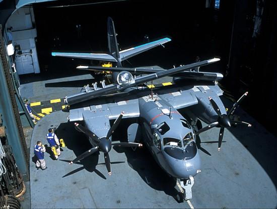 O S-2 Rastreador e C-1 Trader foram o único transporte e multi-missão de aeronaves projetadas para atender às restrições de porta-aviões da década de 1950