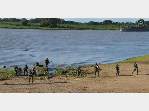 Simulação de Guerra no Pantanal