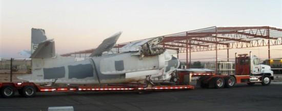 Um dos oito fuselagens Trader C-1A recuperados de Davis Monthan cemitério em 2011