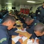 """Aspirantes da Escola Naval fazem suas opções de Corpo e Habilitação, durante a Operação """"ASPIRANTEX-2015"""""""