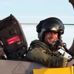 Pilotos da FAB realizam seus primeiros voos solo na Suécia