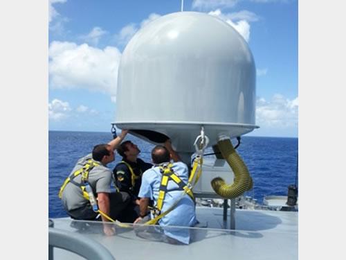 Antena do Terminal Móvel Naval