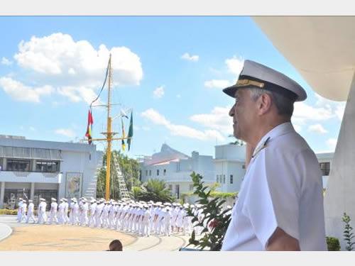 Desfile em continência ao ex-Comandante da Marinha
