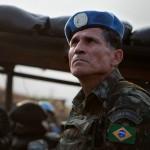Um brasileiro luta pela paz na África, Entrevista com o General Carlos Alberto dos Santos Cruz