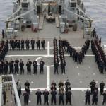 Navios realizam Parada Naval em homenagem ao Comandante da Marinha