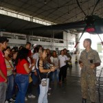 Estudantes do Senac aprendem sobre limpeza de aeronaves militares