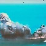 Irã destrói réplica de navio americano em exercício militar