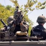 Pelotão da PE da Força de Pacificação realizando patrulhamento na Maré