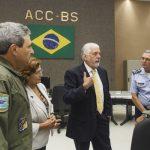 Jaques Wagner conhece unidades estratégicas da FAB em Brasília