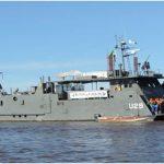 """Aviso-Transporte Fluvial """"Piraim"""" realiza Comissão de Patrulha e Inspeção Naval"""