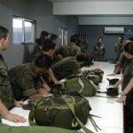 Cadetes Intendentes participam de instrução de Ressuprimento Aéreo