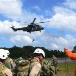 Esquadrão de helicópteros da FAB ministra aula de rapel para bombeiros no PA