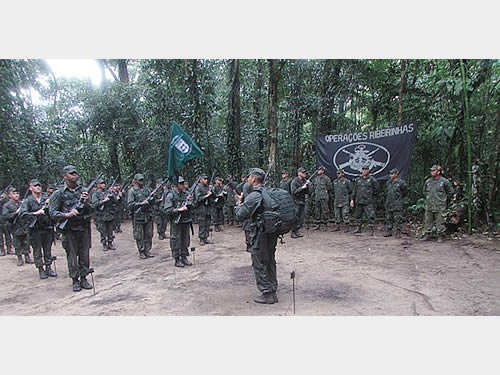 Instruções são ministradas a militares da Marinha do Brasil e do Exército Brasileiro