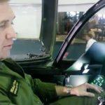Piloto de testes da SAAB mostra o cockpit do Gripen NG